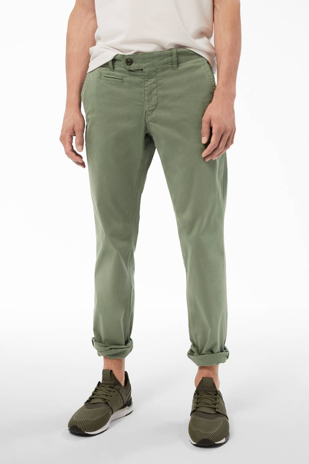 009c80f7f290c Chino Niko in Olive. Made of elastic cotton ...